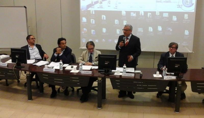 Catania: ingegneri, presentate istruzioni per costruire col vetro