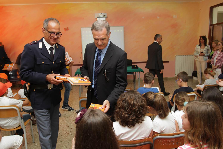 """""""Un anno con Vis e Musa"""": la polizia di Agrigento con i giovani studenti"""