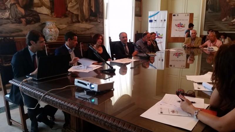 """Catania manda in web i servizi sociali e diventa """"Città policentrica"""""""