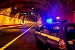 Incidente in autostrada nella notte, scontro tra due auto: tre feriti, due catanesi e un bimbo di 3 anni