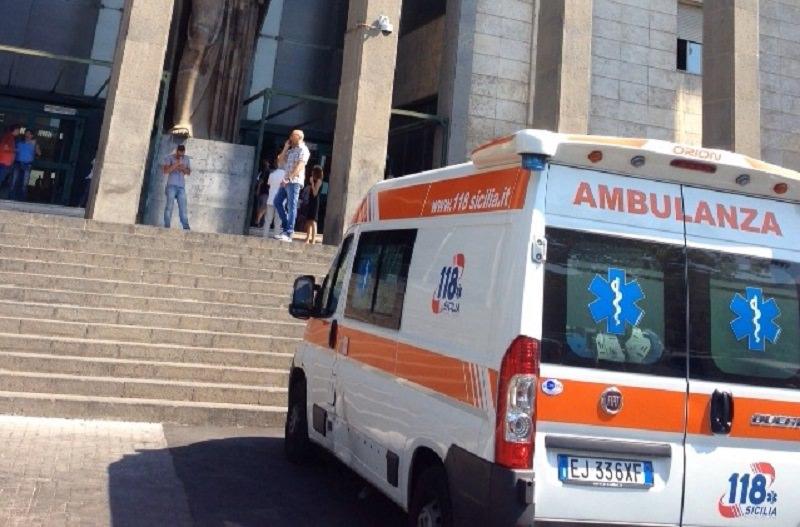 Catania, panico al tribunale: tenta suicidio ma è salvato da un avvocato