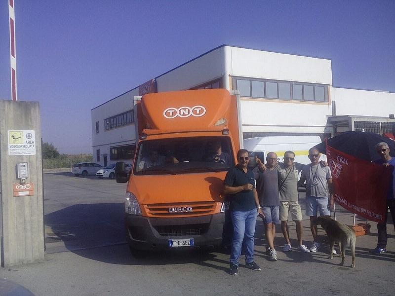 Sciopero lavoratori Tnt, a rischio 5 licenziamenti a Catania