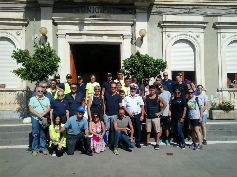 San Gregorio, marines e volontari insieme per un gesto di solidarietà