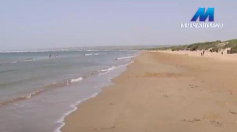Bambine rischiano di annegare: salvate da un ragazzo