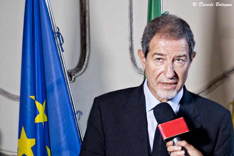"""Assunzione di 400 tirocinanti alla Regione Siciliana, Musumeci smentisce: """"Si tratta solo di alcune decine di laureati"""""""
