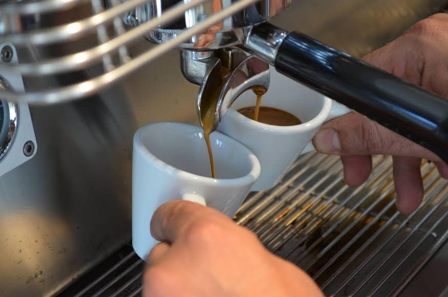 Il caffè allunga la vita: tre tazzine al giorno riducono il rischio di malattie
