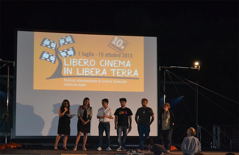 Libero cinema in libera terra. Successo dell'iniziativa alla Coop Le Zagare