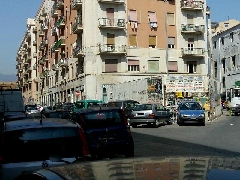 Quel cantiere abbandonato a Palermo in piazza Bottego….