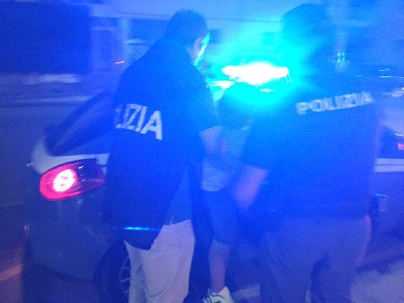 Sparatoria in via Ipperia, scatta l'arresto di un tunisino: indagini in corso