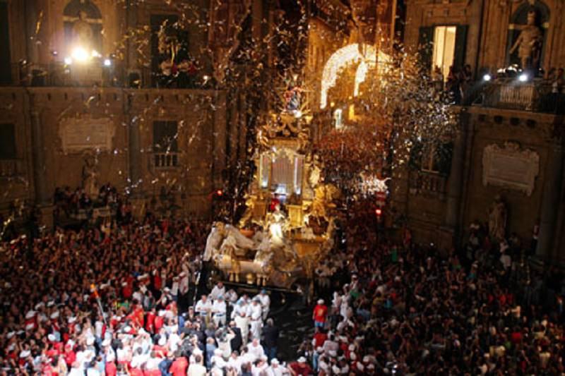 Palermo riabbraccia Santa Rosalia, in città fervono i preparativi