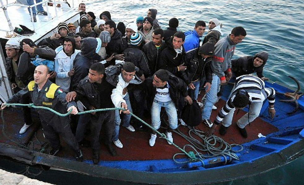 """Fermati i due presunti scafisti della """"Phoenix"""", facevano parte di un'organizzazione criminale libica"""