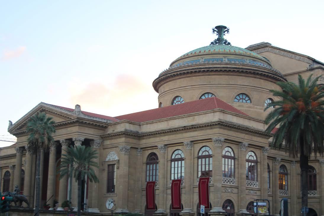 """Palermo, 100 pianisti suonano """"Vexations"""", il concerto più lungo della storia"""