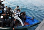 Lampedusa, sbarchi senza sosta e hotspot al collasso: test sierologici negativi e via ai trasferimenti