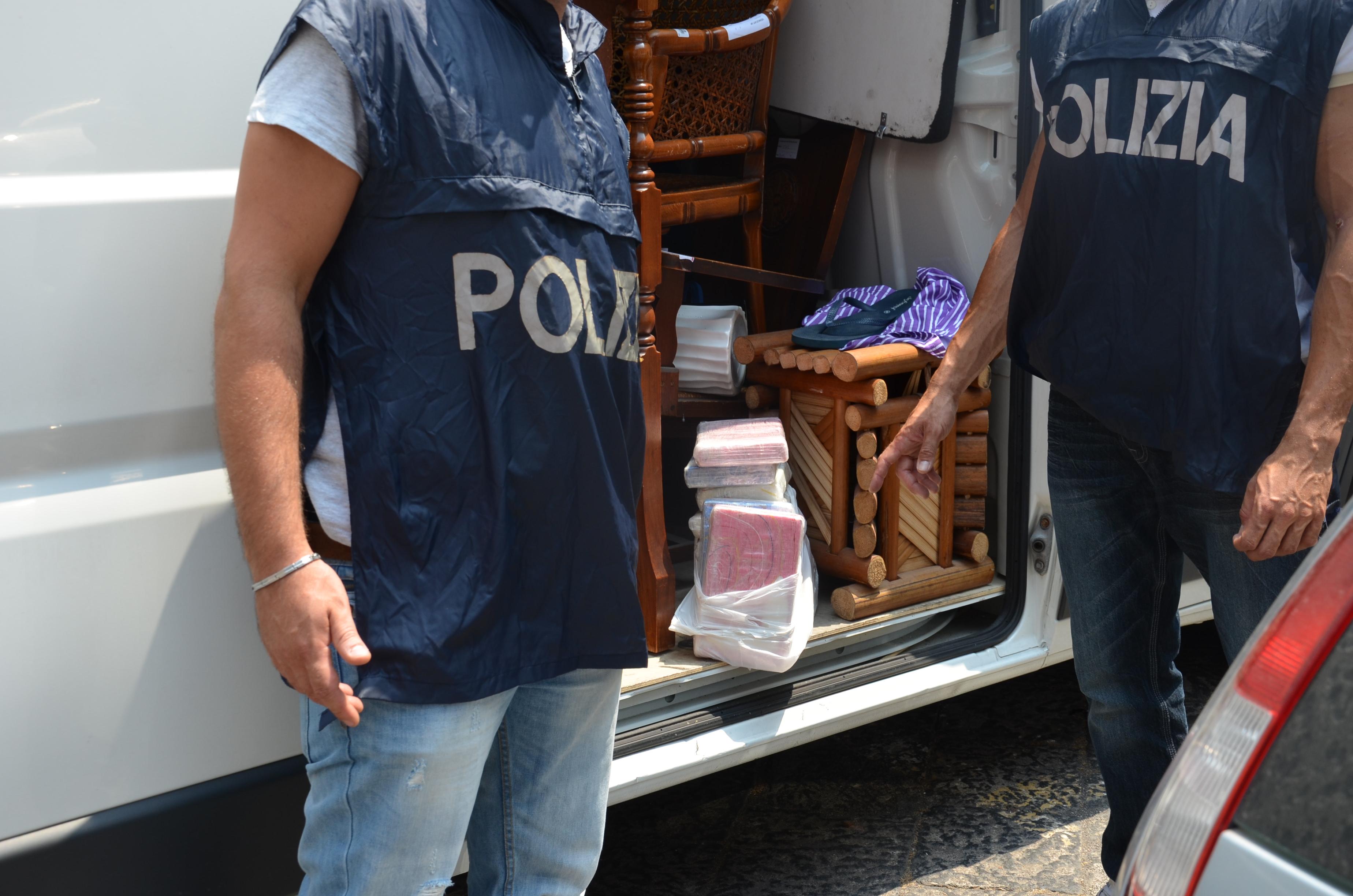 Nel furgone nascondeva 11 chili di cocaina: arrestato cinquantenne sulla tangenziale di Catania GUARDA IL VIDEO