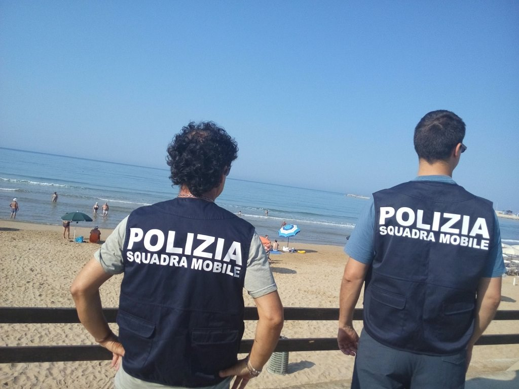 Controlli a tappeto per Ferragosto: a Ragusa e Palermo i primi risultati