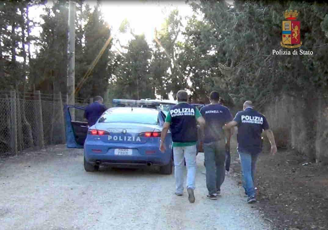 Denuncia la scomparsa di una bracciante rumena: emerge una storia di stupri e vessazioni