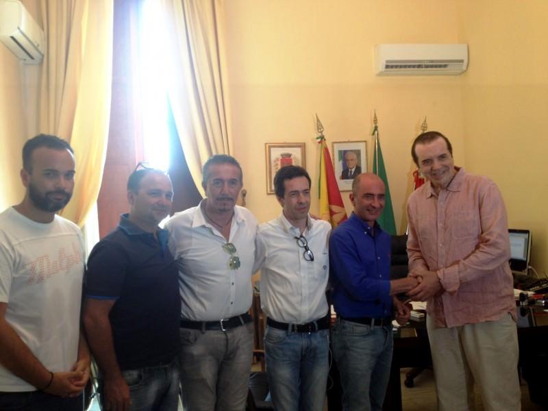 Milazzo, il sindaco incontra l'attore Palminteri