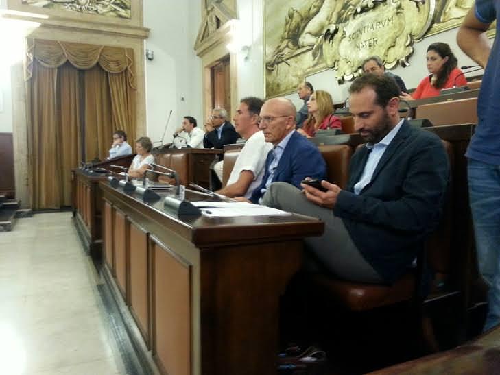 Catania, i movimenti del consiglio comunale: Nicotra approda in AP