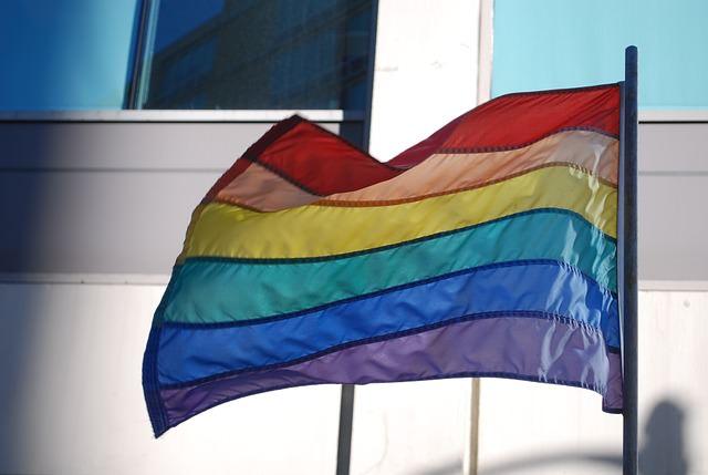 """""""La paura del contagio"""": commento alla vicenda del gay cacciato dal lido di Mascali"""