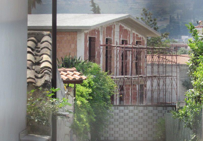 Abusivismo edilizio a Palermo, 4 sequestri e denunce