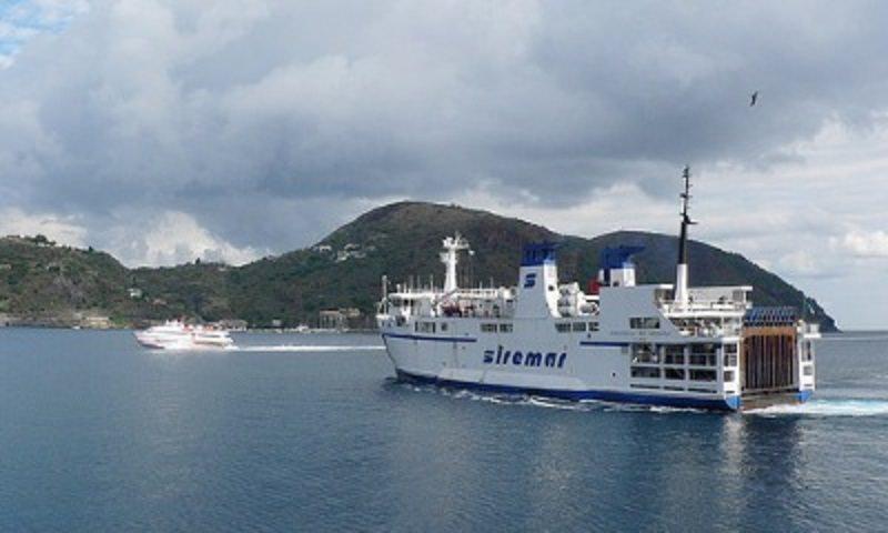 Maltempo: sospese le corse verso le isole minori