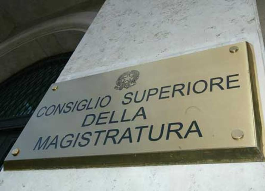Beni confiscati: Csm avvia procedura di trasferimento dei giudici indagati
