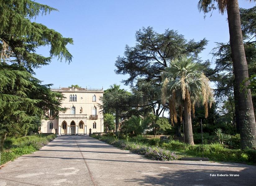"""Biennale della ceramica: a Caltagirone il """"Fuori Museo a Villa Patti"""""""