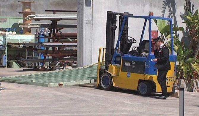 Priolo, ennesima tragedia sul lavoro: muore operaio travolto da un cancello