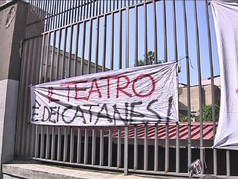 Teatro Stabile di Catania, dipendenti senza stipendio da aprile