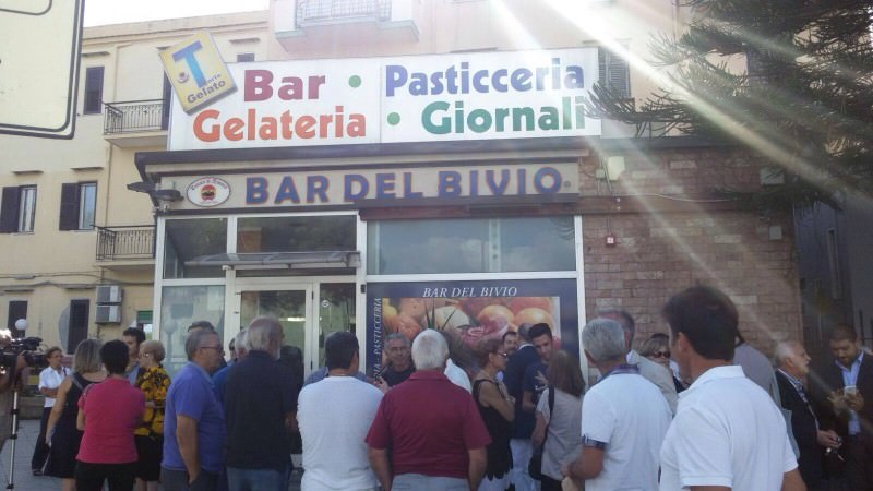 Palermo, anche IdV al flash mob per salvare il Bar del Bivio