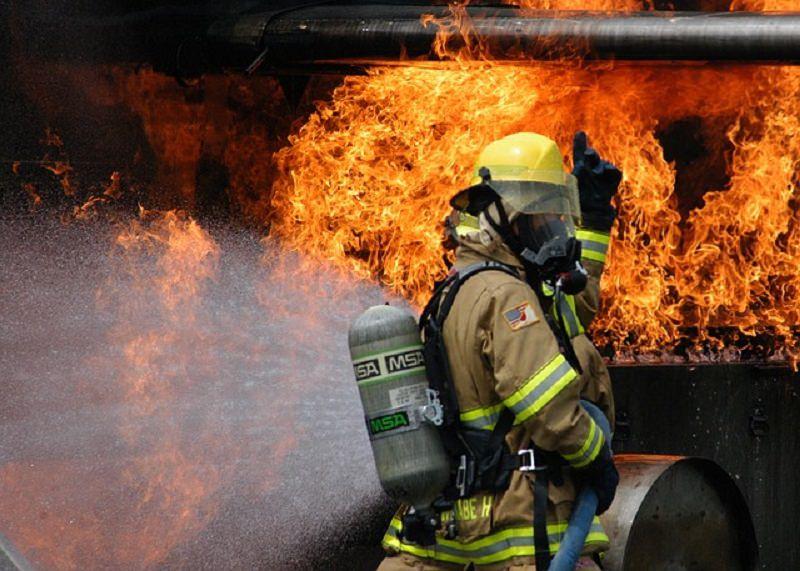 Palermo in fiamme: 32 incendi divampati nella notte a causa del vento
