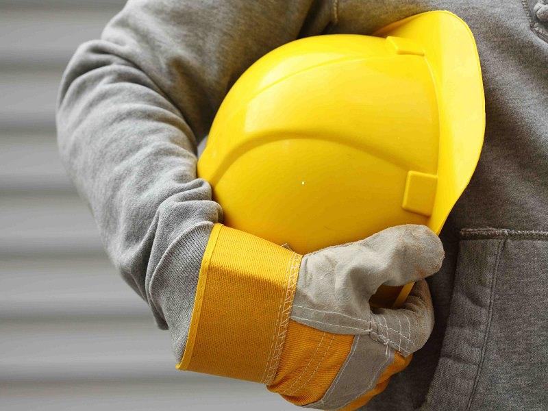Grave incidente sul lavoro, operaio siciliano colpito in testa da benna: 45enne è finalmente fuori pericolo
