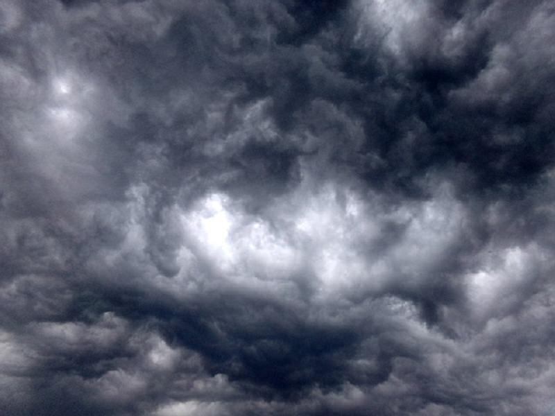 """Allerta meteo """"rosso"""" anche per domani. Chiusi a Catania cimiteri e scuole"""