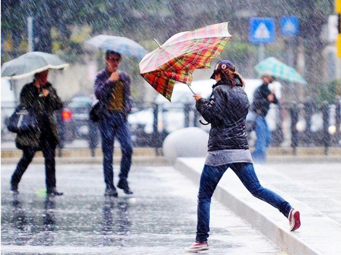 Meteo, piogge e temporali in Sicilia: addio caldo?
