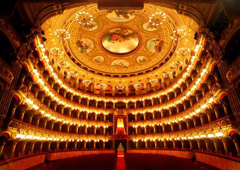 """Catania: al Teatro Massimo """"chiude in bellezza"""" la festa del patrono della polizia"""