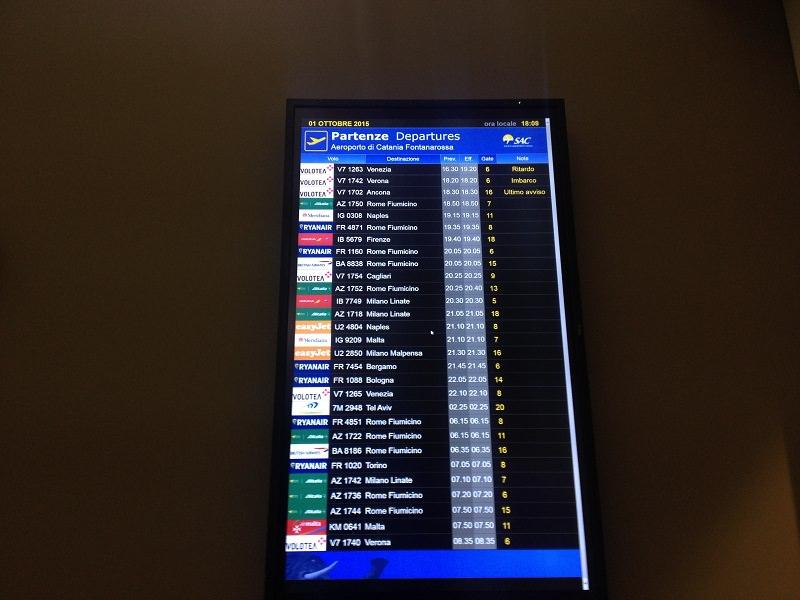 Etna ancora in eruzione: riapre l'aeroporto di Catania
