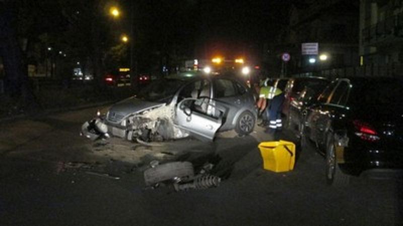Incidente nella notte a Palermo: auto contro un albero. Un ferito grave