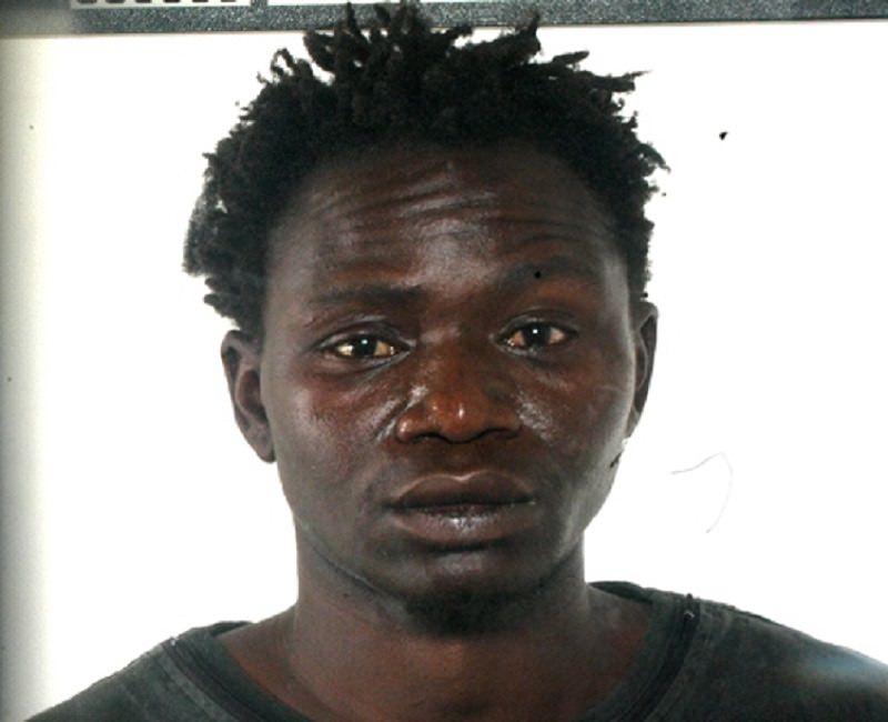 Arrestato ragazzo gambiano dopo furto negli uffici del C.A.R.A. di Mineo