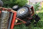 Tragedia in campagna, agricoltore si ribalta con trattore e muore: inutili i tentativi di soccorso