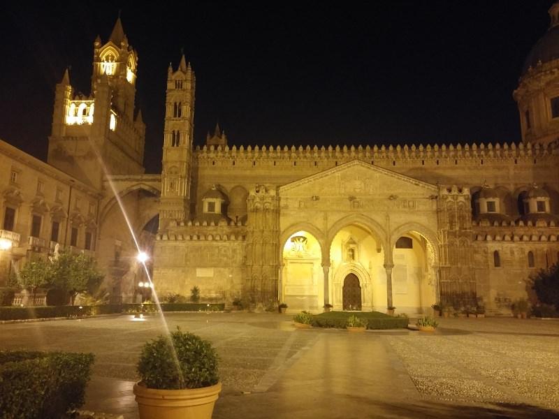 Palermo, ritorna l'illuminazione della Cattedrale