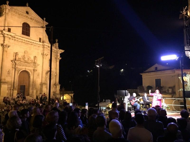 """Ragusa, un successo la prima serata di """"Scale del gusto"""""""