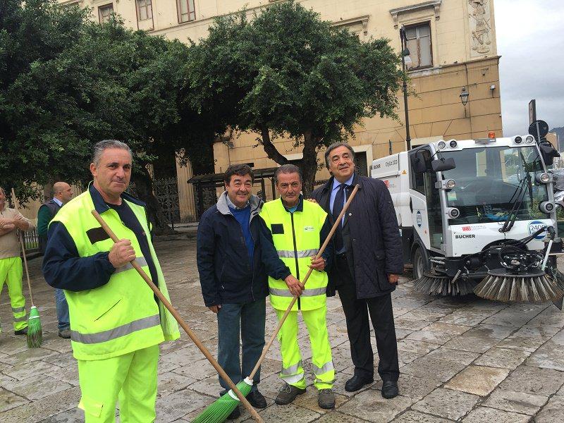 Palermo, rifiuti e decoro urbano:  nuovi mezzi e cassonetti