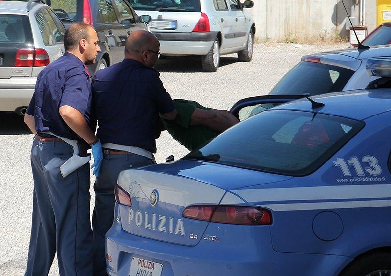 Palermo, martellate a moglie e suocera: arrestato