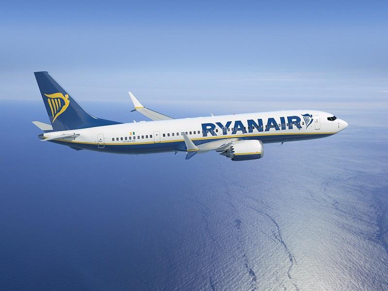 Stormo di uccelli costringe ad atterraggio d'emergenza un volo Ryanair a Palermo