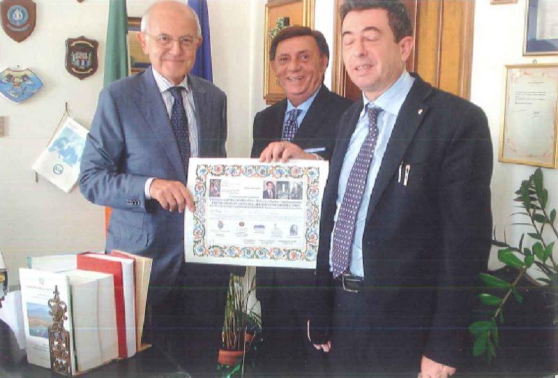 """Consegnato il premio """"Livatino Saetta Costa"""" al procuratore generale della Repubblica Salvo Scalia"""