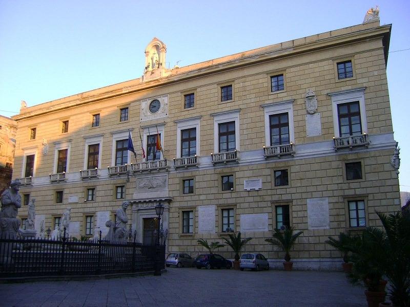 """Scandalo """"gettonopoli"""" con scarse presenze al Comune di Palermo, la denuncia M5S"""