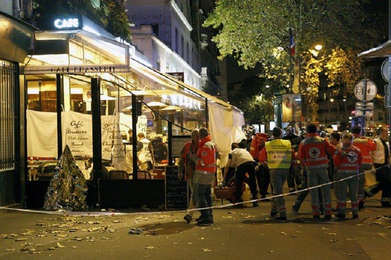Stragi di Parigi, tutta la Sicilia a lutto. Le lacrime di Crocetta