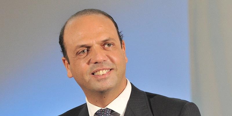 Continua la solidarietà al ministro Alfano finito nel mirino della mafia