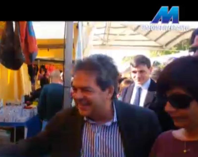 Catania: il sindaco visita il Pop Market e la Fiera dei morti