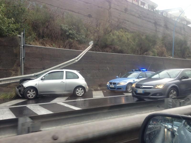 Incidenti stradali, allagamenti, crolli: Catania e provincia in ginocchio